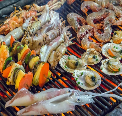 Mollusques et crustaces au barbecue