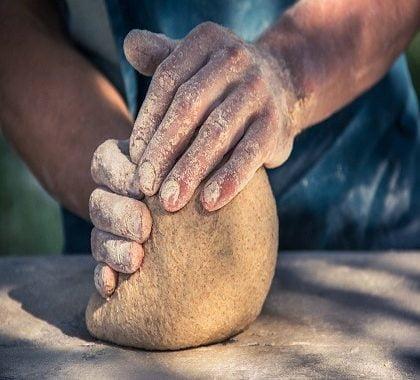 Que faut-il rassembler pour faire son pain à domicile?